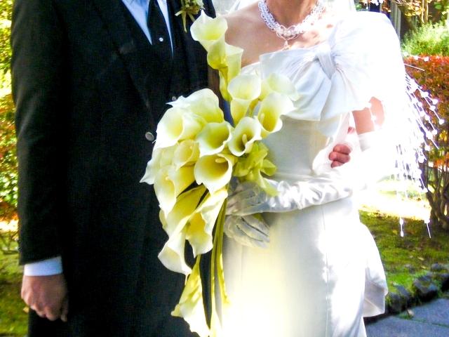 新婚カップルの別撮りロケーション撮影時の新郎の衣裳