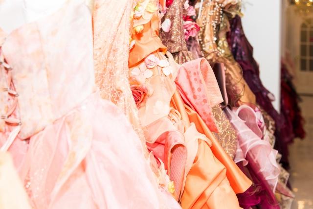 新婦に人気のカラードレスの色ランキング